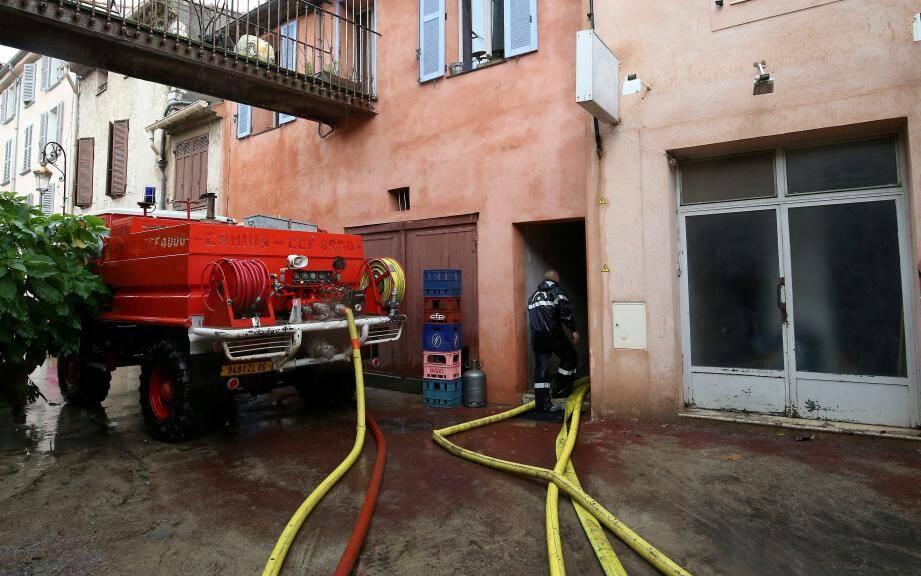 Ici aussi, les pompiers sont venus pomper les rez-de-chaussée et les sous-sol.