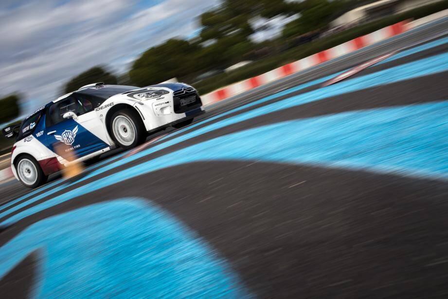 Le show s'annonce à la hauteur de la saison vécue au circuit Paul Ricard : en un mot comme en cent exceptionnel avec en vedette Valtteri Bottas qui a effectué lundi des tours de chauffe !