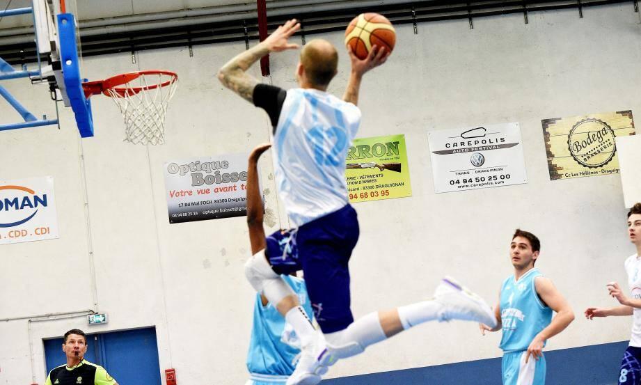 Les basketteurs dracénois auront certainement fort à faire samedi face au Stade Laurentin.