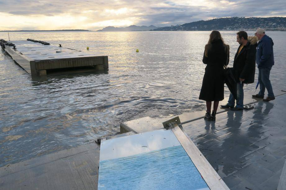 Il faudra attendre la fin de la saga judiciaire pour pouvoir admirer un ponton Courbet tout beau, tout neuf.