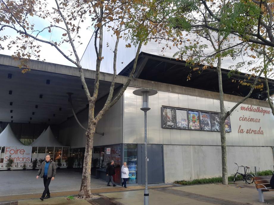 En 2018, le cinéma La Strada à Mouans-Sartoux comptait 332.714 spectateurs.