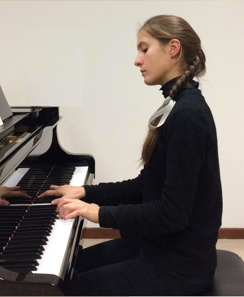 Alma Ambrosi-Santamaria interprète Scarlatti, Chopin et Schumann ce dimanche au Majestic.