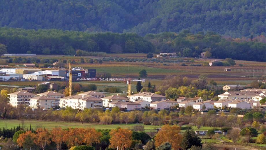 Les zones qui restent à urbaniser font l'objet de débats au sein de la commune.