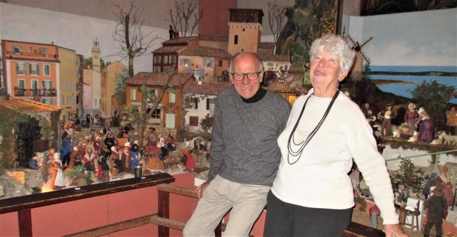 Jacqueline et Jacques Cessin recréent la crèche provençale, chaque fin d'année depuis 18 ans.