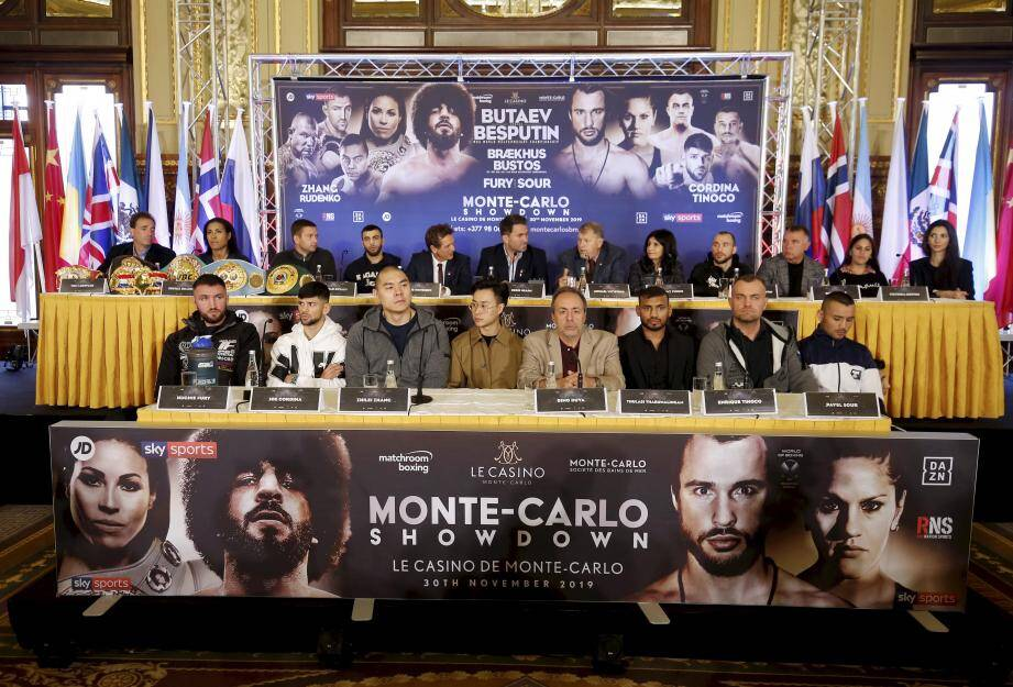 Prêts à en découdre samedi, les participants au combat de boxe se sont présentés devant la presse, ce jeudi.