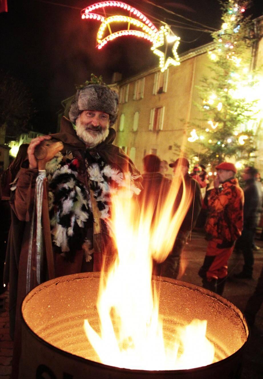 Le Père Hiver, présent depuis la création de la fête de l'Avent en 2012 à Caille.