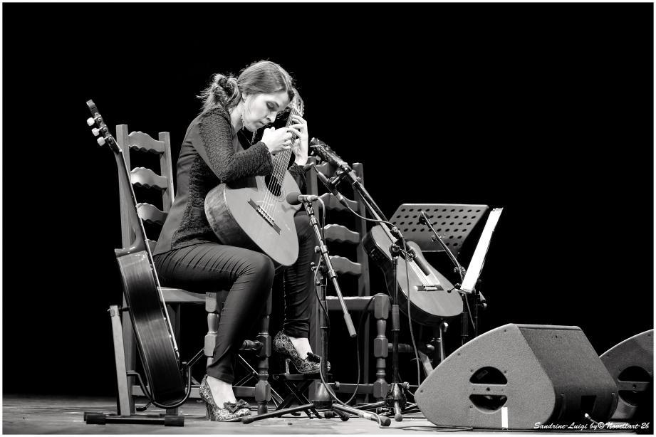 La guitariste Sandrine Luigi en concert au Télégraphe.