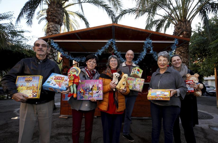 Jusqu'à mercredi, les Mentonnais peuvent déposer leurs jouets d'occasion en bon état au chalet installé devant la mairie.