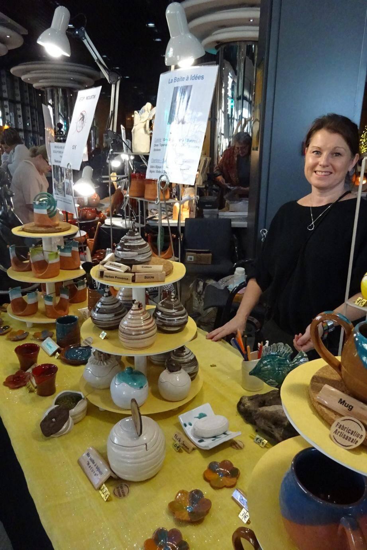 Arts de la table et poteries anti-moustiques de Karine Devigne.