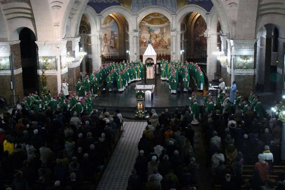 La Conférence des évêques de France réunie à Lourdes le 5 novembre 2019