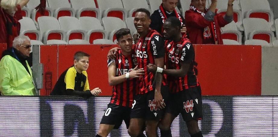 Le défenseur de Nice Christophe Hérelle (centre) buteur contre Reims, le 3 novembre 2019 à Nice.
