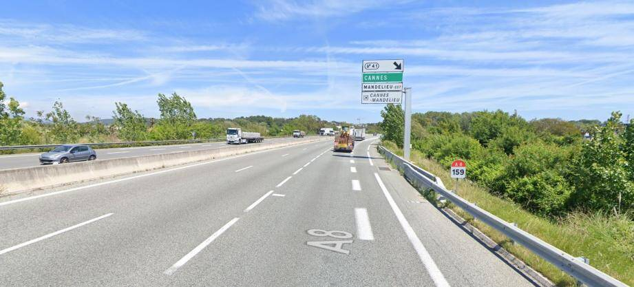 La sortie n°41 (Cannes La Bocca - Mandelieu Est) sur l'autoroute A8.