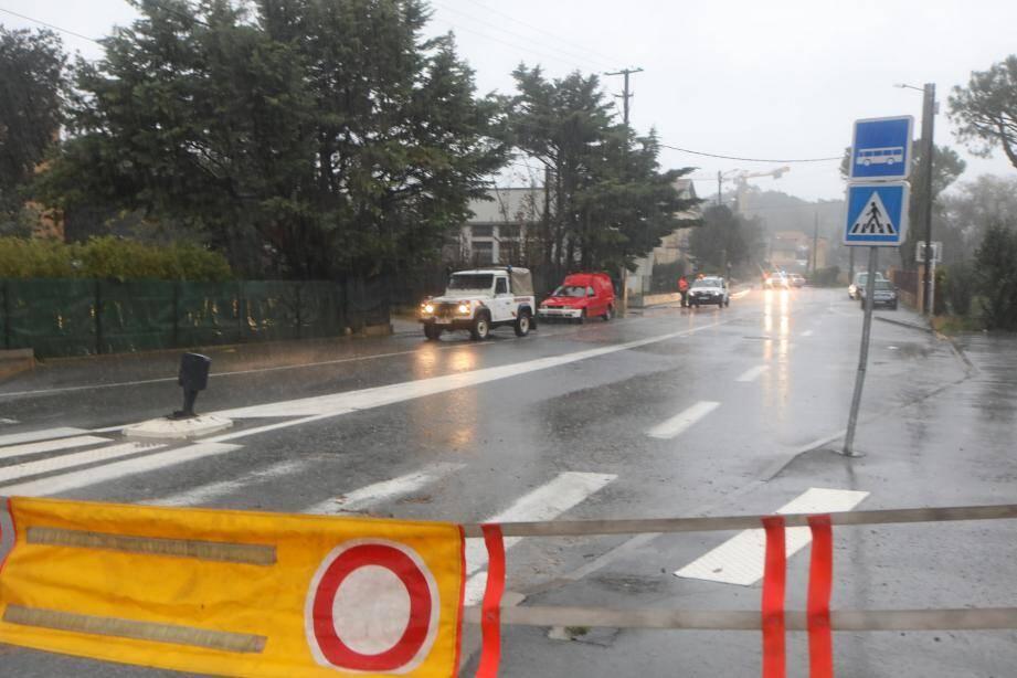La route D704 entre Antibes et Biot fermée ce week-end lors des inondations. Illustration.