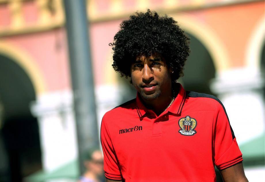Dante, capitaine brésilien de l'OGC Nice.