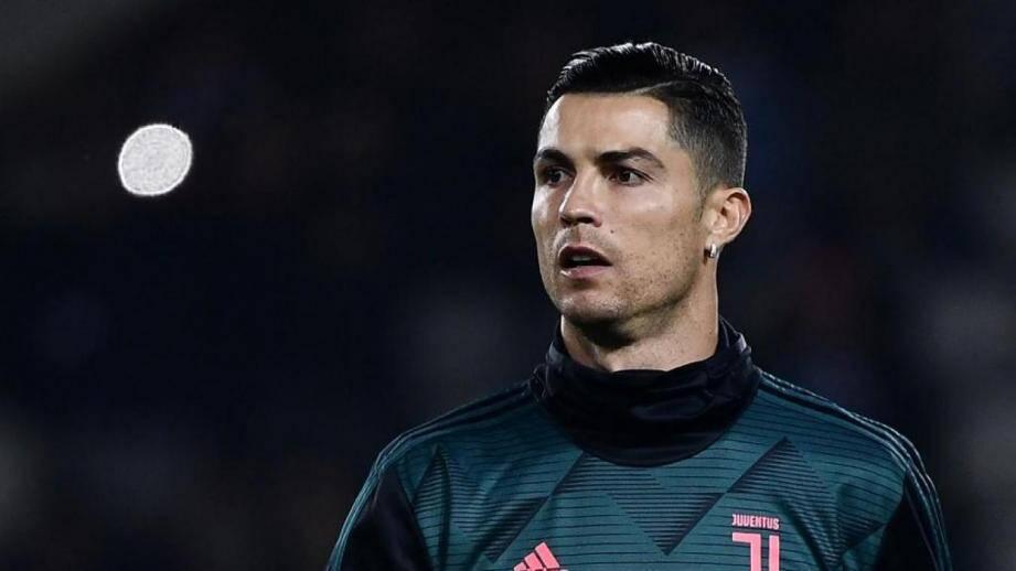 Ricardo Marques Ferreira, célèbre pour être le coiffeur de Cristiano Ronaldo, a été retrouvé mort dans une chambre d'hôtel de Zurich, selon la Repubblica.