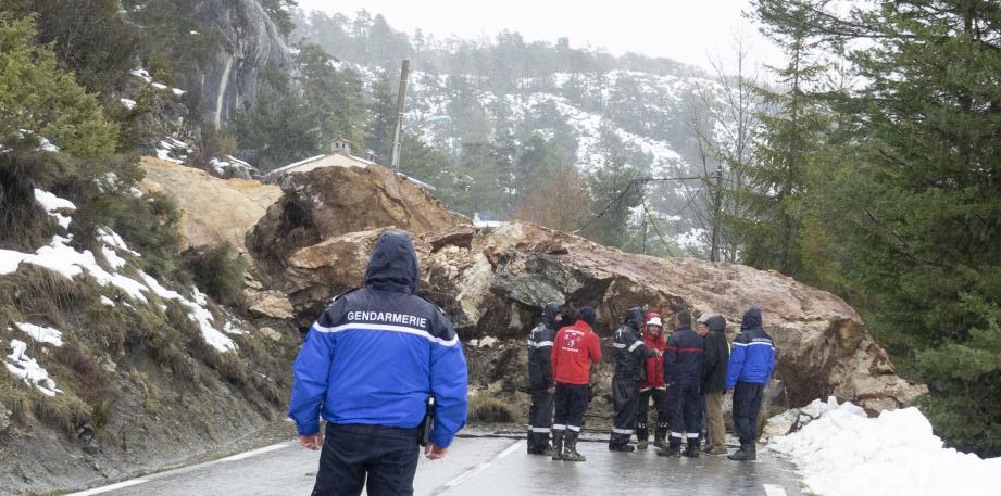 Il faudra certainement plusieurs jours pour évacuer les 450 m3 de roches.