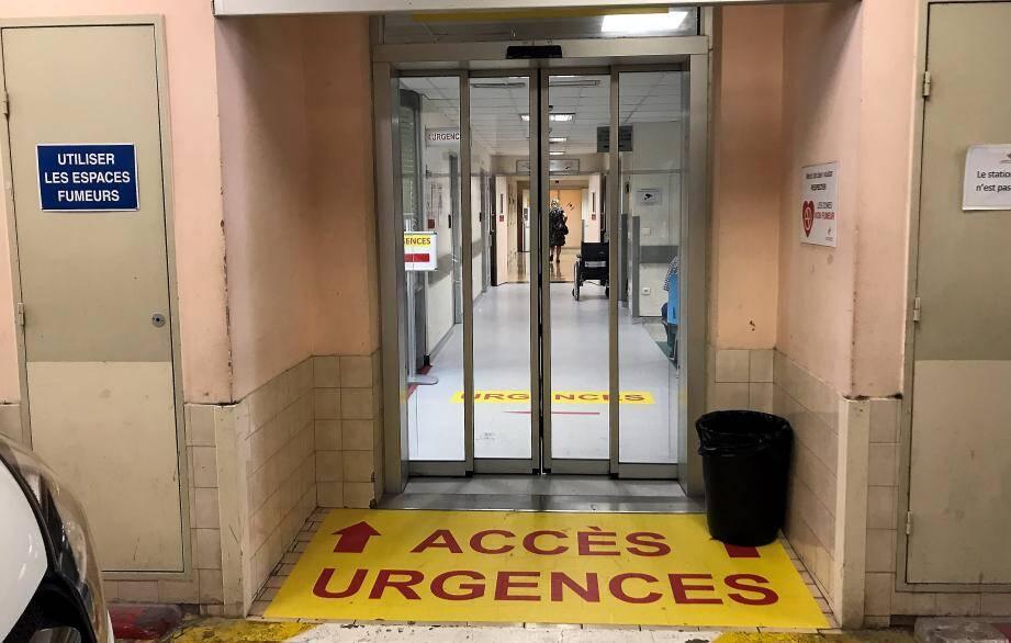 Ivre, le patient danois a fait des avances scandaleuses aux infirmières du CHPG.