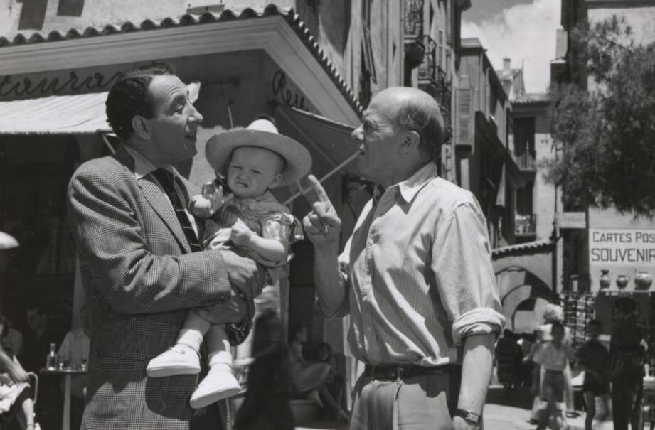 Une scène du film entre Jules Mushin, Max Elloy et le fameux bébé, tournée place Saint-Nicolas à Monaco-ville, où on retrouve l'atmosphère du quartier de l'époque.