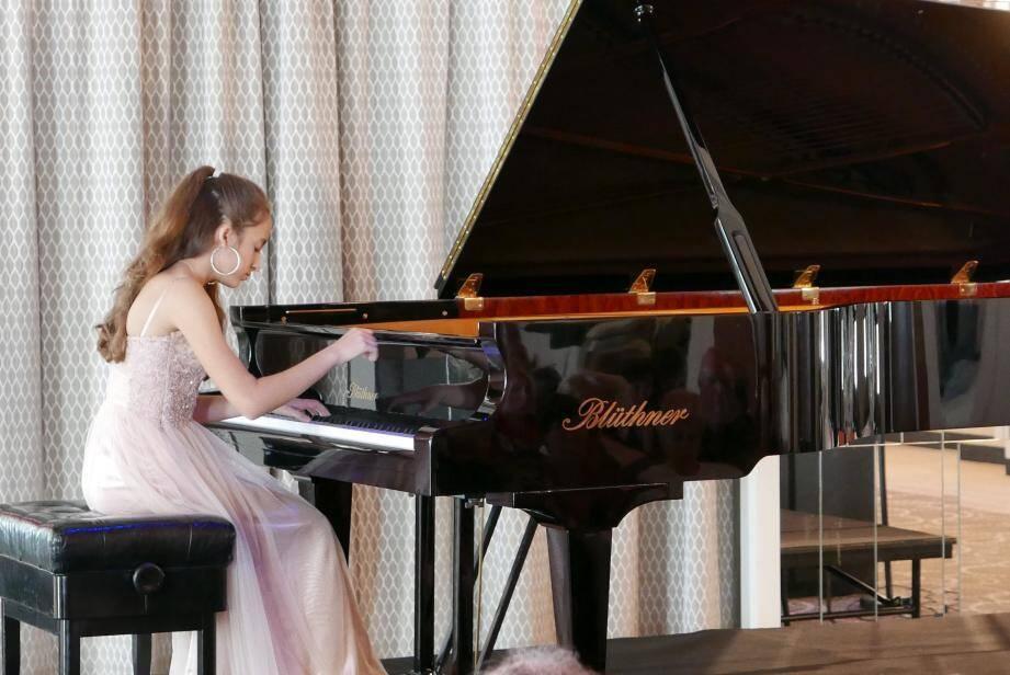 Stella Almondo, lors de l'un de ses derniers concerts, au Majestic à Cannes.