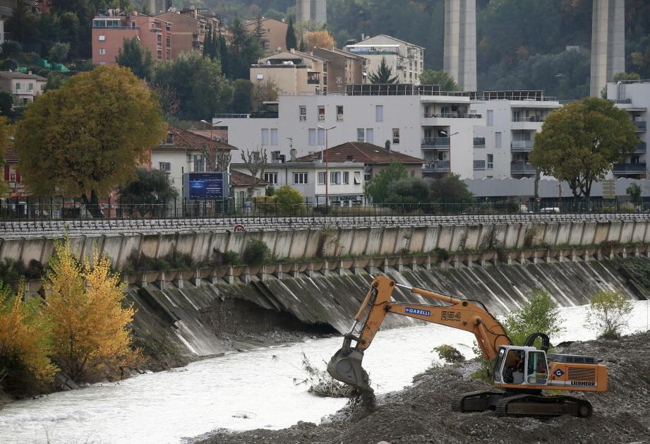 L'effondrement sur une rive du Paillon après les intempéries du week-end.