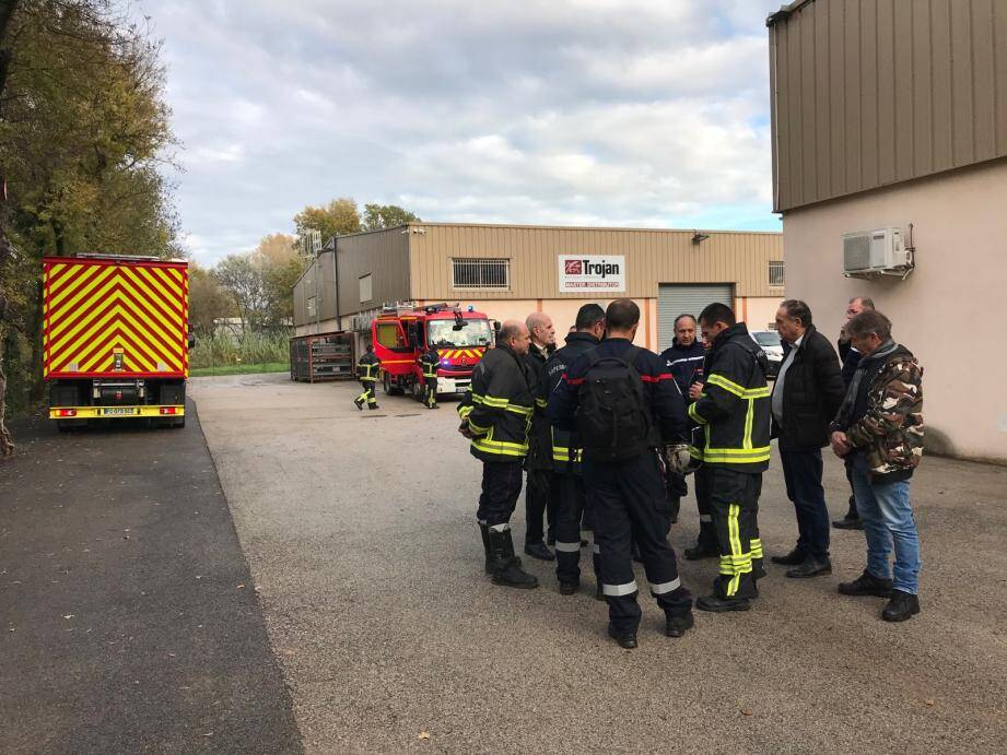 Une trentaine de sapeurs-pompiers s'est rendue sur place, à Pégomas, ce lundi en fin de matinée.