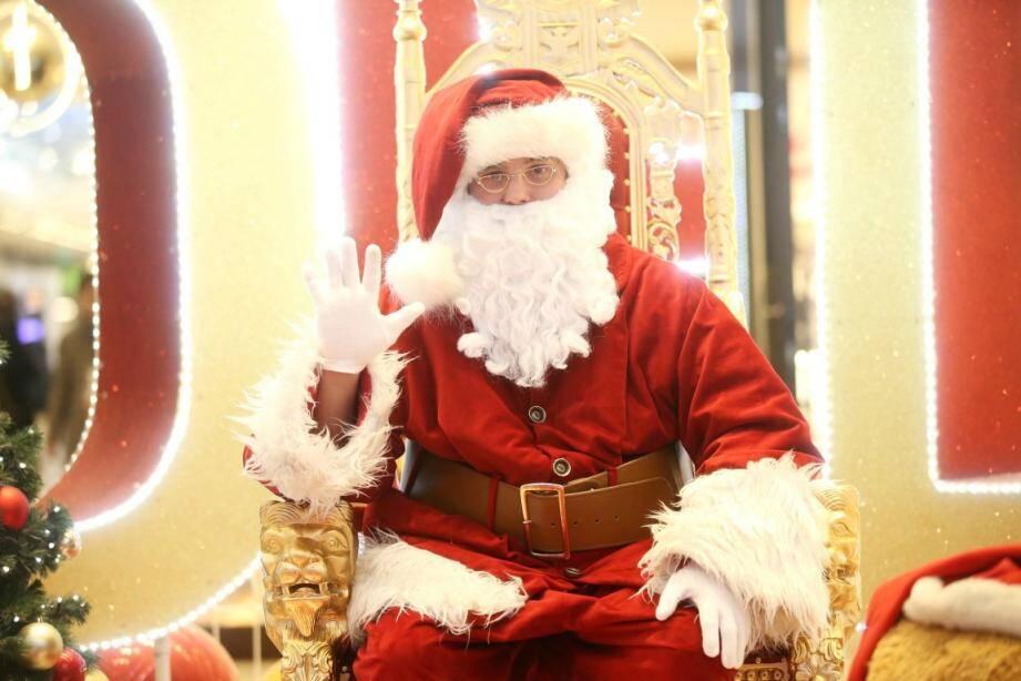 Qui veut voir le père Noël en Finlande?