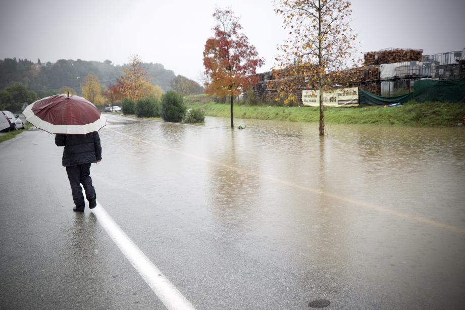 La commune de Mandelieu-la-Napoule a été particulièrement touchée par les inondations dues aux fortes pluies.