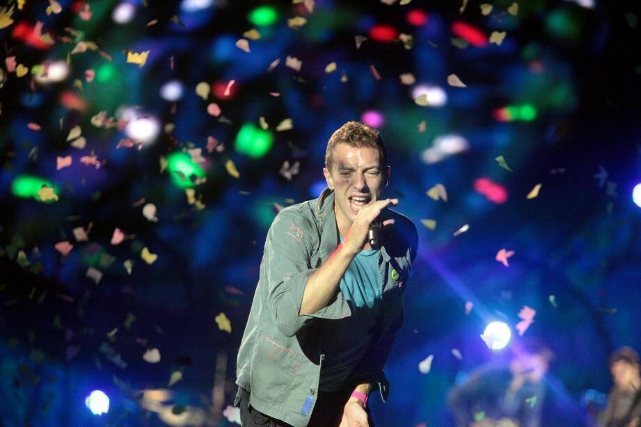 Chris Martin, le chanteur du groupe Coldplay lors d'un concert au Palais Nikaïa.