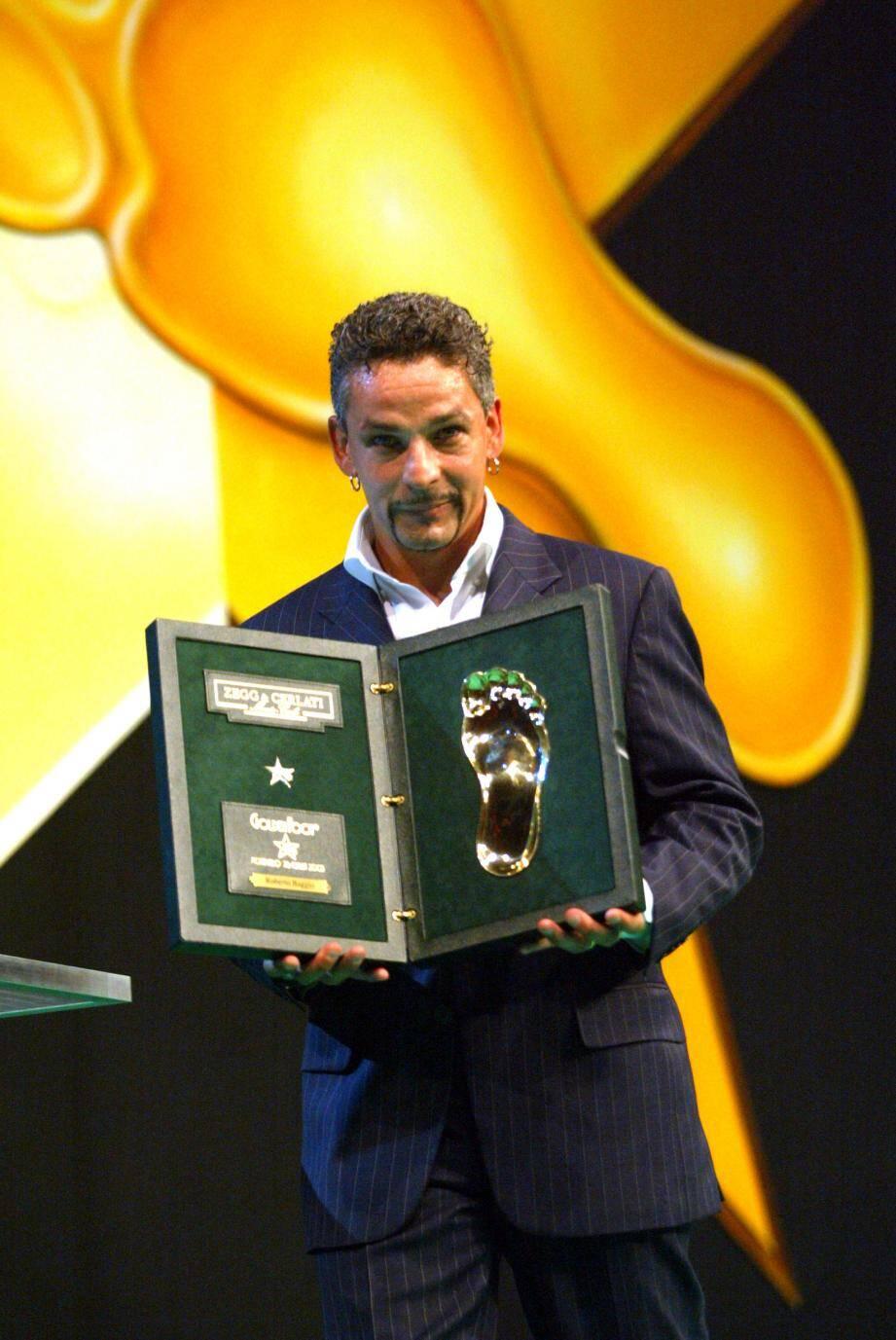 Roberto Baggio a été le premier joueur à recevoir un Golden Foot Award à Monaco, en 2003.