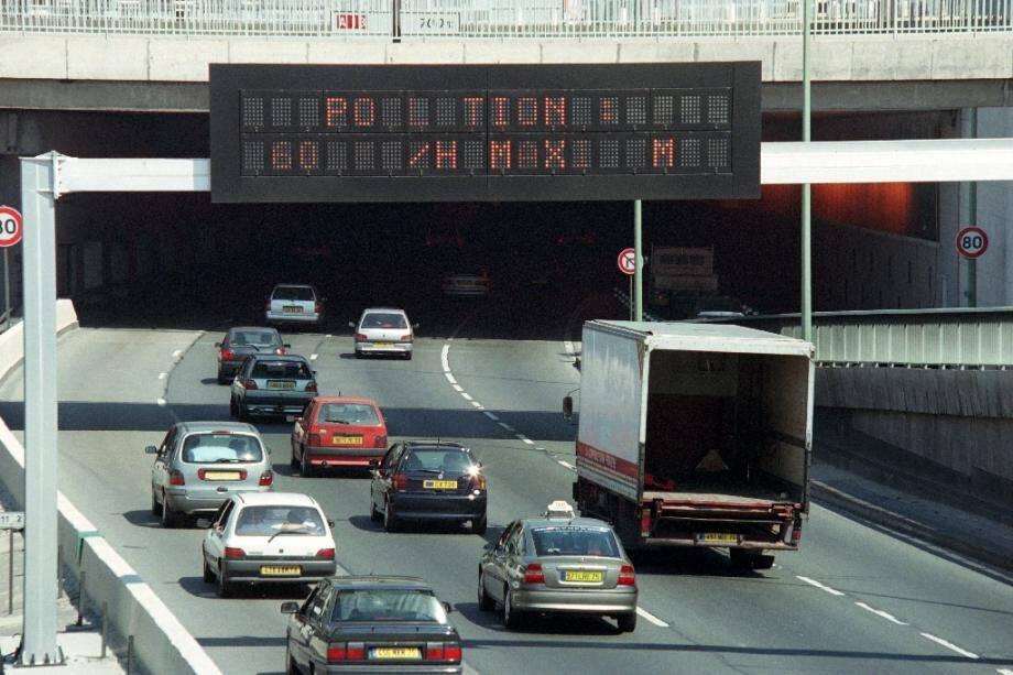 La loi d'orientation des mobilités (LOM) a été promulguée mardi et publiée jeudi au journal officiel, ce qui ouvre la voie à l'application de ce texte touffu visant à améliorer les déplacements des Français tout en intégrant l'enjeu environnemental