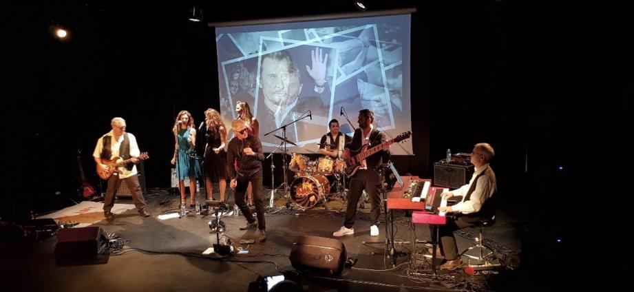 « Les amis du château  » vous proposent un spectacle dédié à l'histoire en musique de l'icône du rock en France, de ses débuts à l'orée des années 60, jusqu'aux grands spectacles populaires des années 2000, avec des musiciens de talent issus de divers groupes (rock'n'roll, blues et sixties) de la scène azuréenne.(DR)