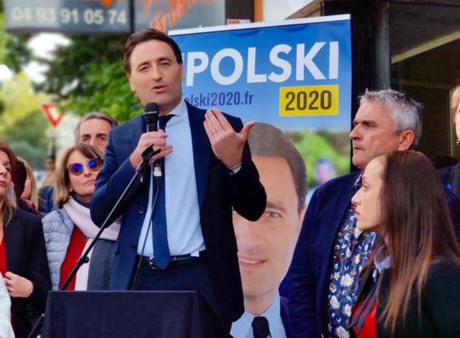 Ladislas Polski lors de l'inauguration de sa permanence de campagne à La Trinité.