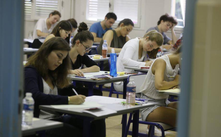 Cette année, il y aura deux formules de bac: l'ancienne pour les terminales, la nouvelle pour les lycéens de première.