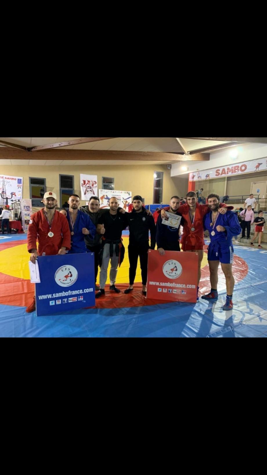 Les combattants grassois de sambo de l'ASP qualifiés pour les prochains championnats de France.(DR)