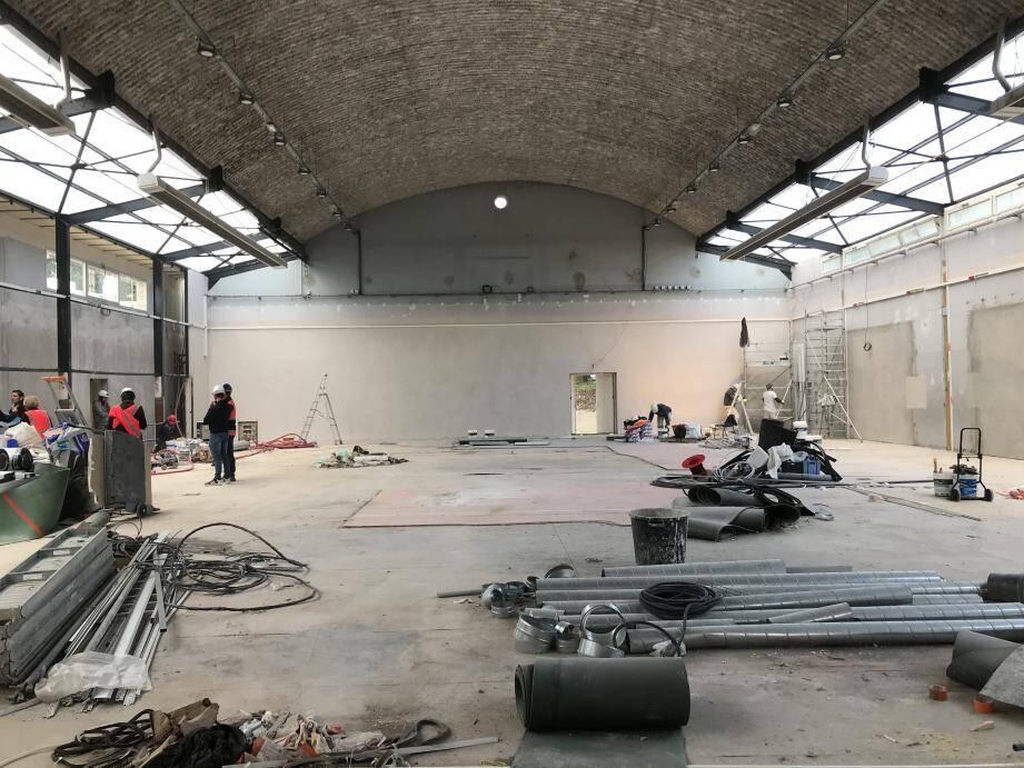 À l'intérieur du gymnase, la surface de 600m² a été repensée.