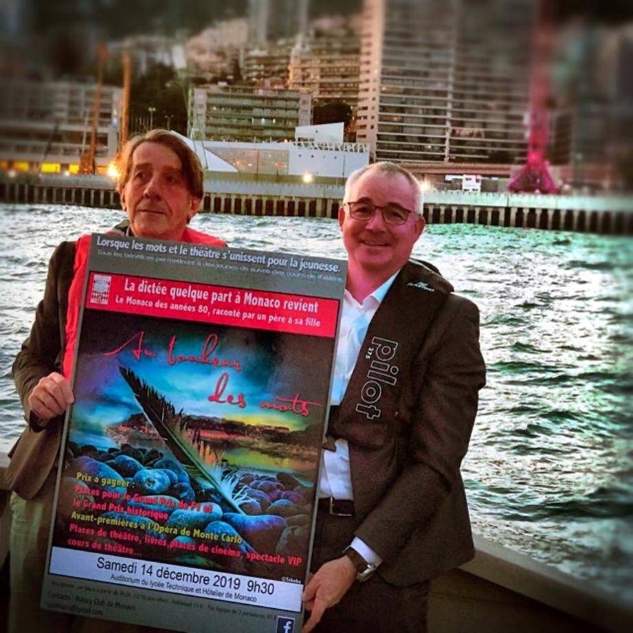 Présentation de l'affiche par les organisateurs Alain Burlot et Christian Palmero en peine mer pour un clin d'œil aux blocs disparus.(DR)