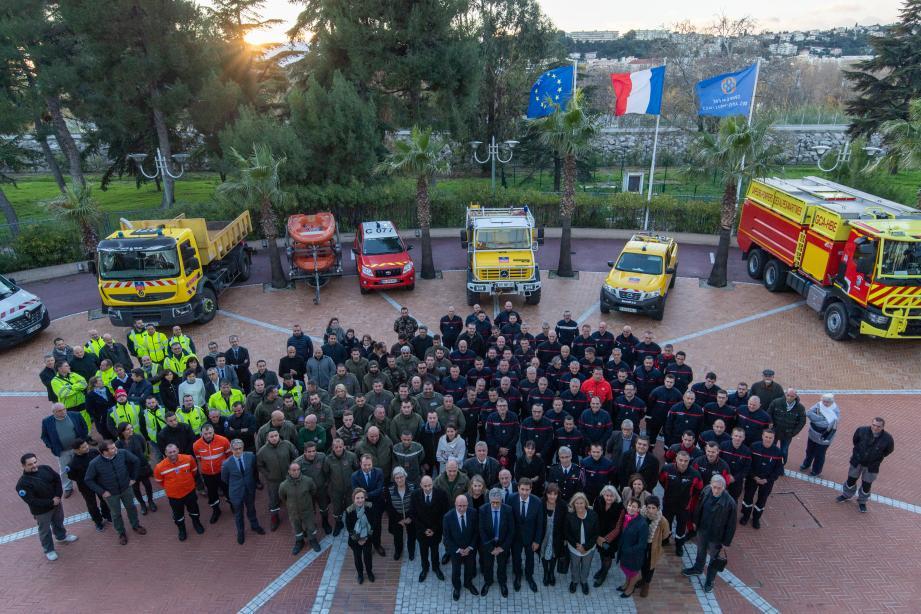 Les secours venus en aide aux sinistrés ont été mis à l'honneur, hier au Département.