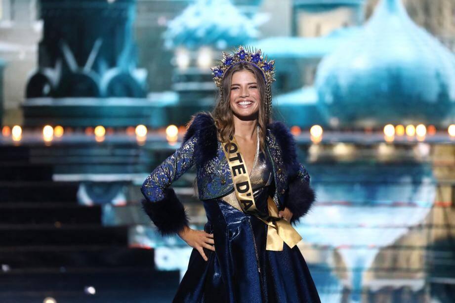 Manelle Souahlia, Miss Côte d'Azur, a terminé le concours en tant que quatrième dauphine.