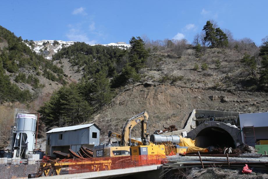 Le chantier de percement du nouveau tunnel a été stoppé par la justice en mai 2017.