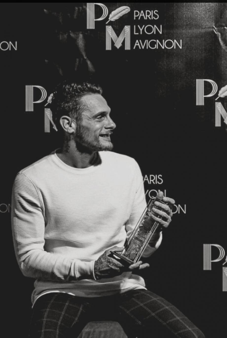 Sylvain Zarli a reçu son prix dimanche soir au Café de la Gare, à Paris.