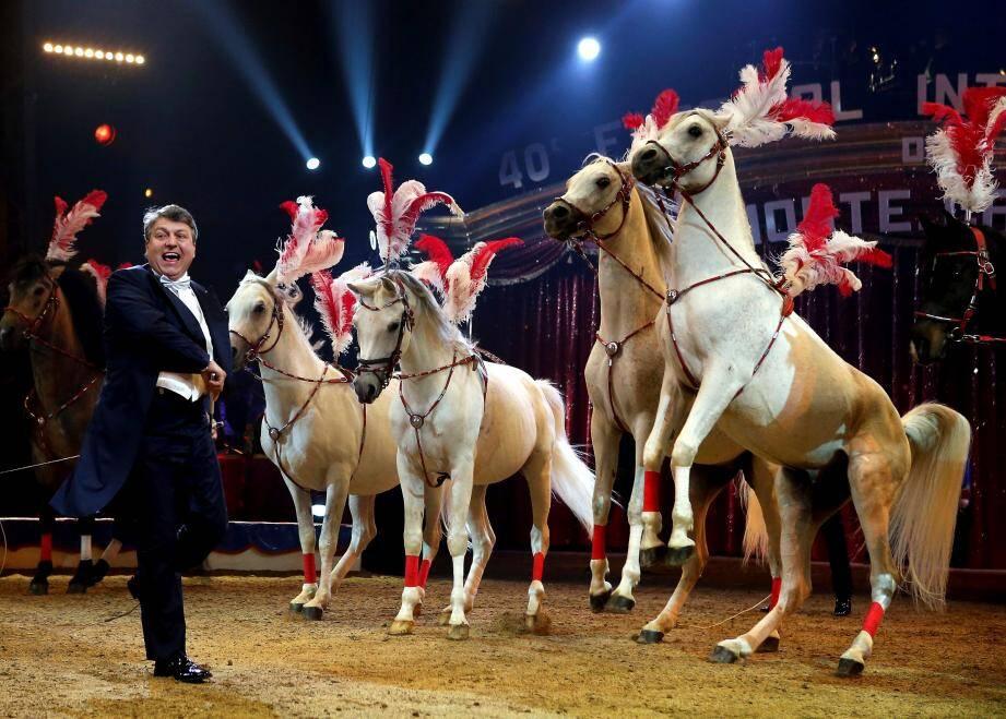 Les chevaux – ici en 2017 ceux de Flavio Togni – font toujours sensation sous le chapiteau de Fontvieille et ils seront les vedettes de cette 44e édition.