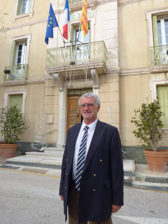 Jean-Claude Courchet cède son fauteuil de maire, sans regret.
