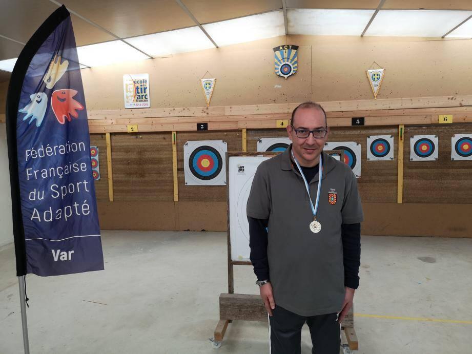 L'archer Pascal Djennetian.