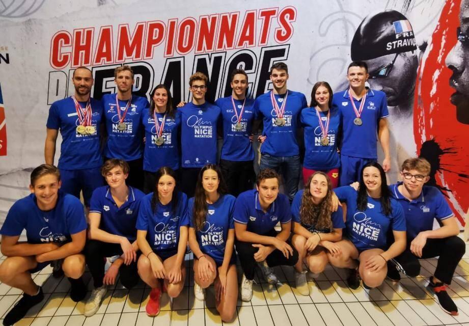 Les seize nageurs de l'ONN sont revenus d'Angers avec un total de 19 médailles, dont 9 en or.(DR)