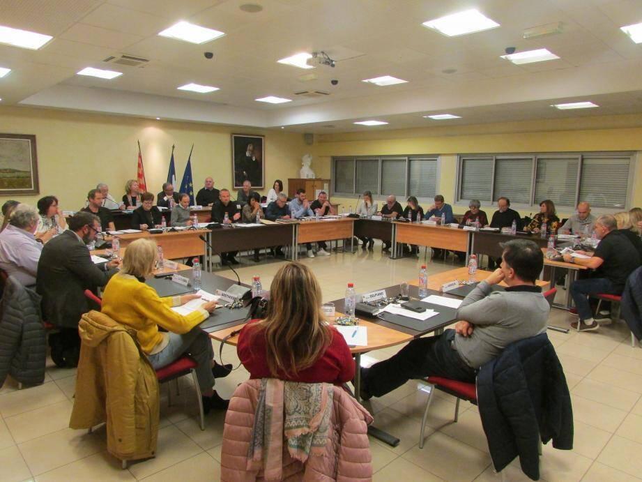 Pour ce dernier conseil municipal, le maire a remercié tous les conseillers, qu'ils soient de la majorité ou de l'opposition, pour leur travail et leur collaboration.