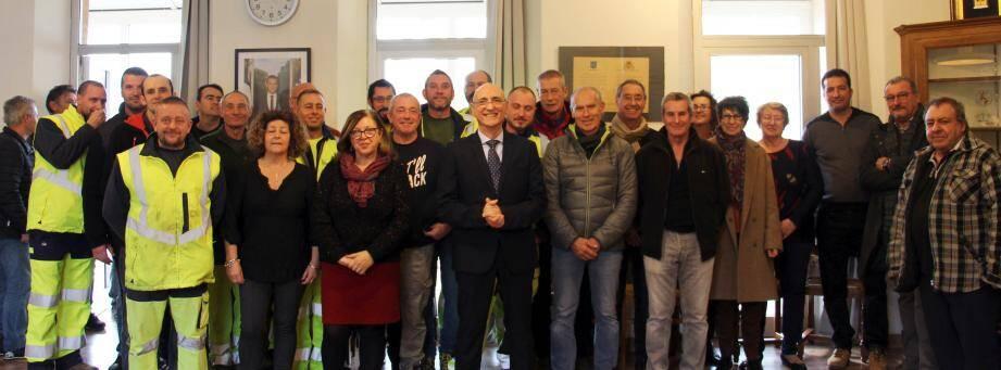 L'ultime et souriante rencontre des collaborateurs du «SMZV», avant que les intercommunalités ne reprennent la gestion de la compétence déchets.