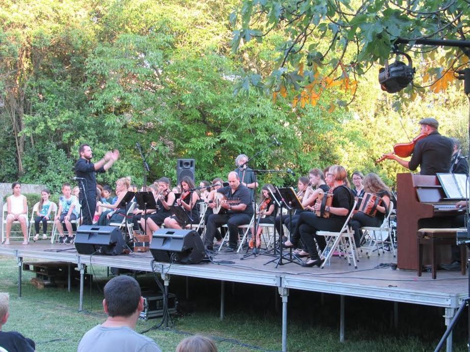 L'Eimad assure quatre-vingt représentations artistiques chaque année, dont de nombreux concerts.