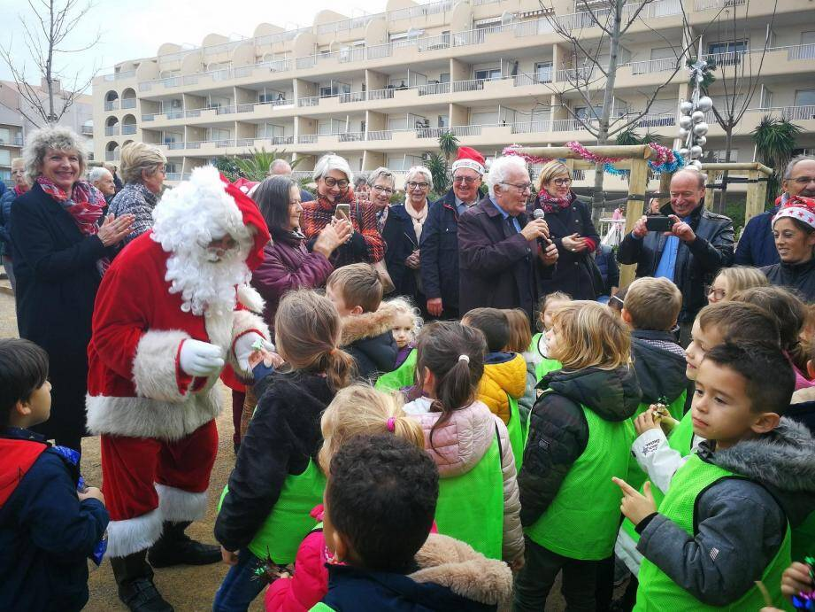L'arrivée du Père Noël au square Rimbaud.