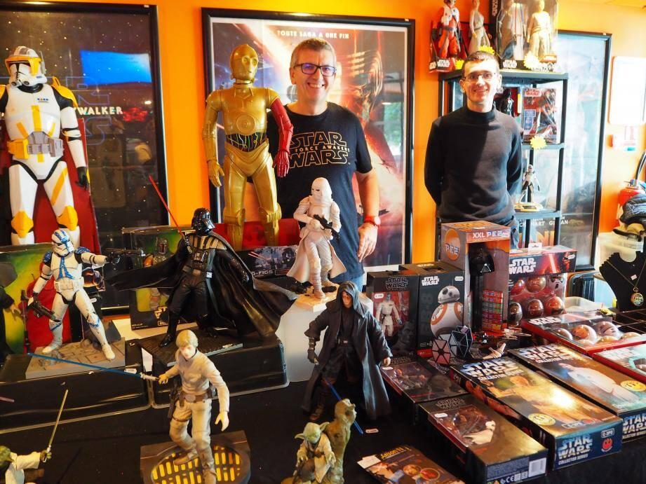 Le stand Star Toys 83 propose quelques figurines vintage très appréciées.