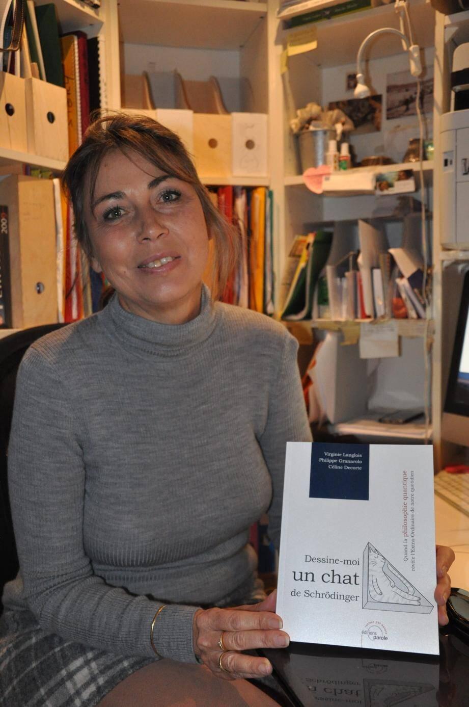 Virginie Langlois a dédicacé son dernier ouvrage, mercredi, à la bibliothèque.(Ph. Ly. F.)